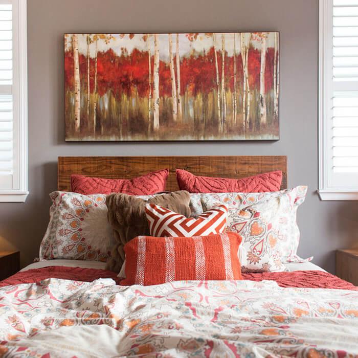 Как сделать уютной спальню своими руками