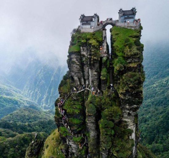 ХРАМЫ: на вершине горы Фандзиншань