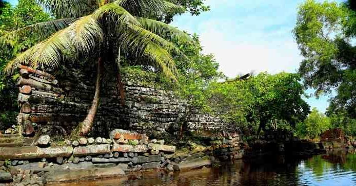 ЗАГАДКА ГОРОДА: Нан Мадол на вершине караллового рифа